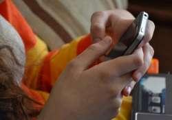 Okostelefonok, tabletek: megnehezítik a szülők dolgát?
